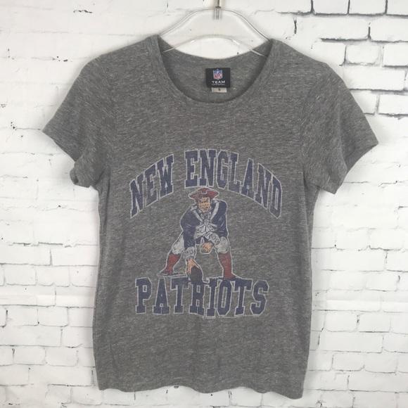 609b96166 New England Patriots Old School Tshirt. M 5bd79f84c89e1d66d72c3aec